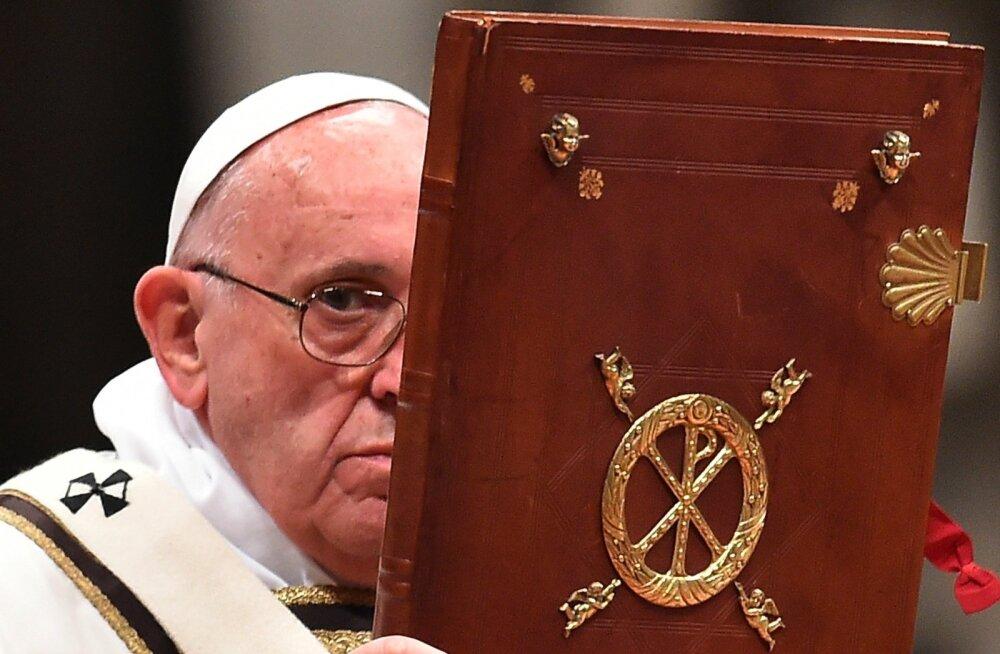 Paavsti jõululaupäeva missa