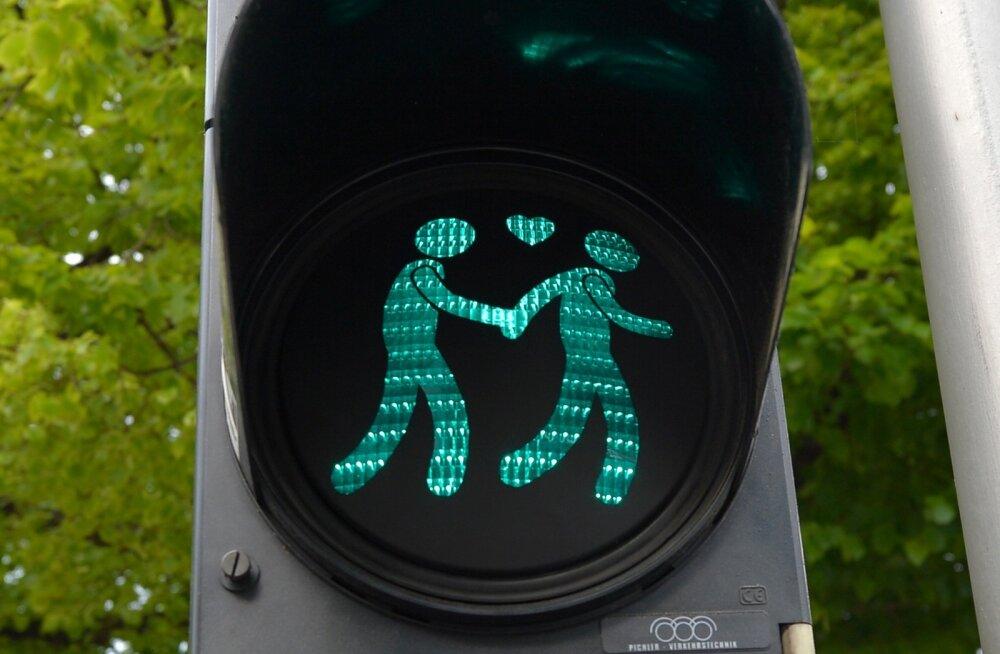 Брак – понятие растяжимое: в регистр народонаселения Эстонии внесли однополых супругов