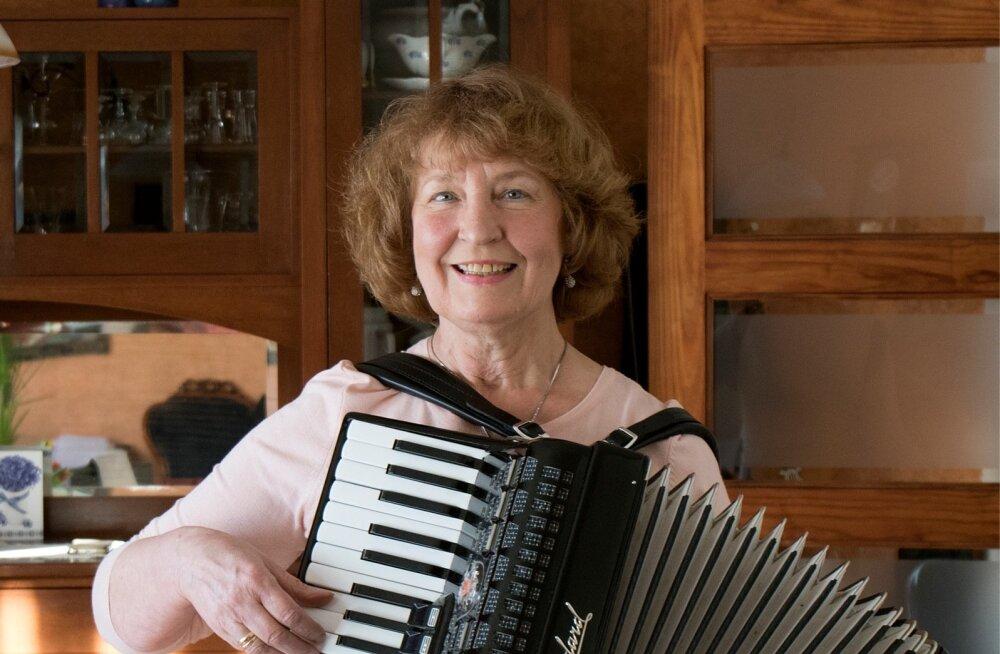 """""""Muusikal on minu elus päris suur osa olnud,"""" teatab Riina Kaldaru, kes talunikele puhkust pakkudes teab ka ise suurepäraselt, kuidas töödest-tegemistest kõige paremini puhata."""