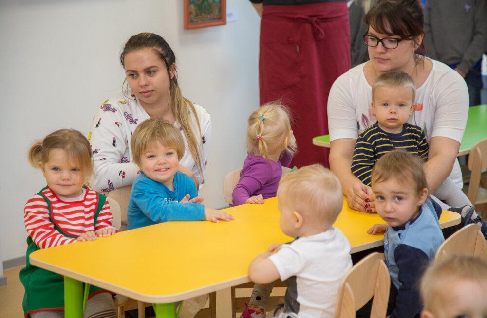 MEIE MAA | Eralasteaed-kool avas söögitoa näitusega