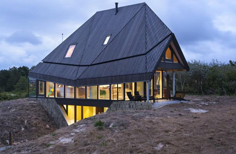 VIDEO | Moodne, valgusküllane ja täiesti ebatavaline - puitmaja, mille püstitamiseks kulus vaid kaks päeva
