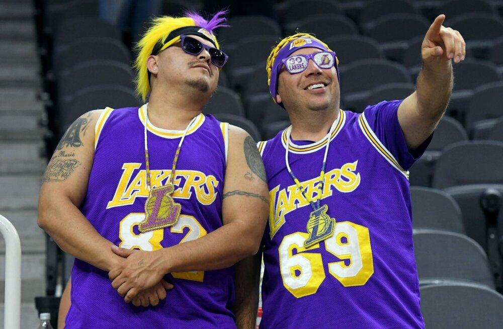 Los Angeles Lakersi fännid