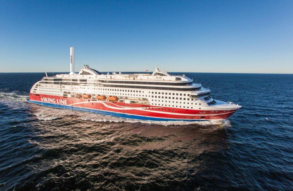 Viking Line paneb reisilaevale purje peale