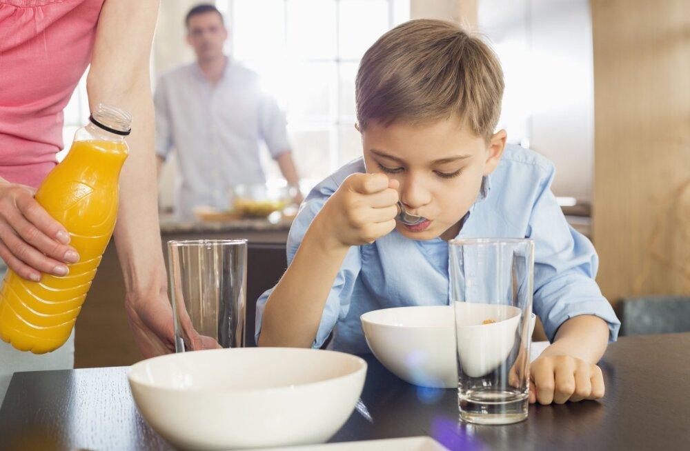 Еда, которая бодрит: завтраки для уставших детей