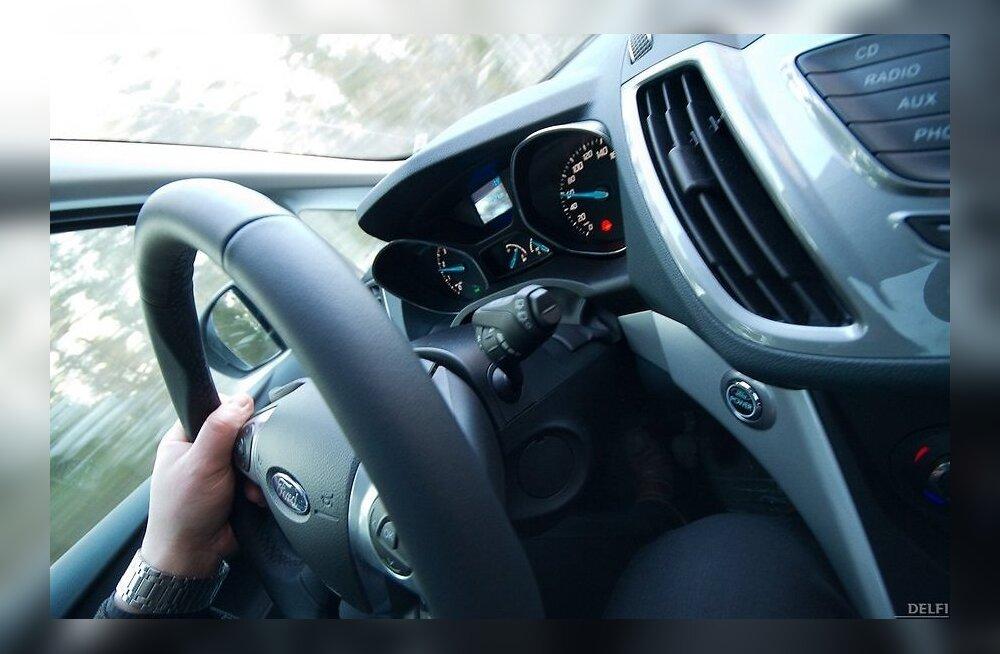 Kas ja kuidas renditud autot kindlustada?