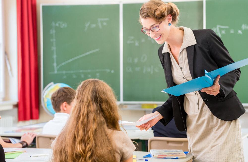 Как реагировать, если учитель жалуется на вашего ребенка