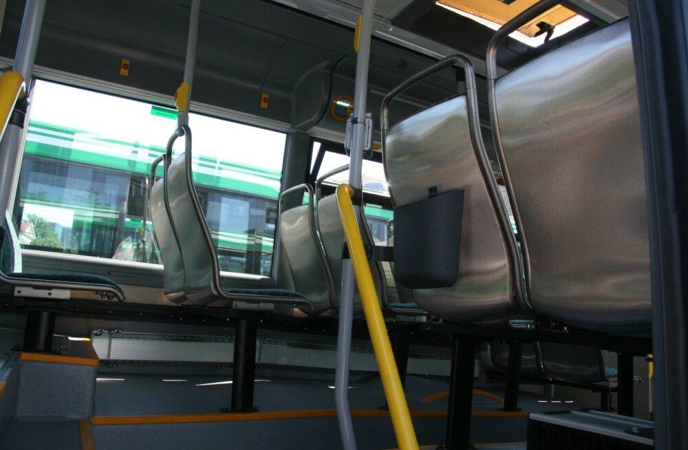 Uued liinibussid Vabaduse väjakul