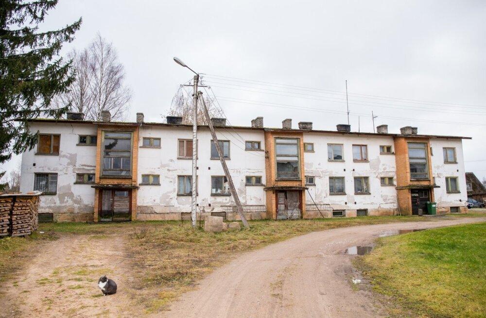 Raivo Ossip ja maja, kus ta elab