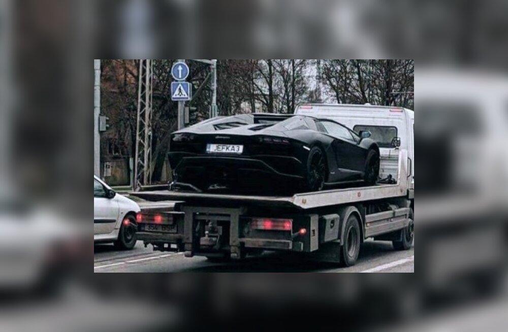 ФОТО: Бизнесмены из Пыльтсамаа приобрели Lamborghini стоимостью более 300 000 евро
