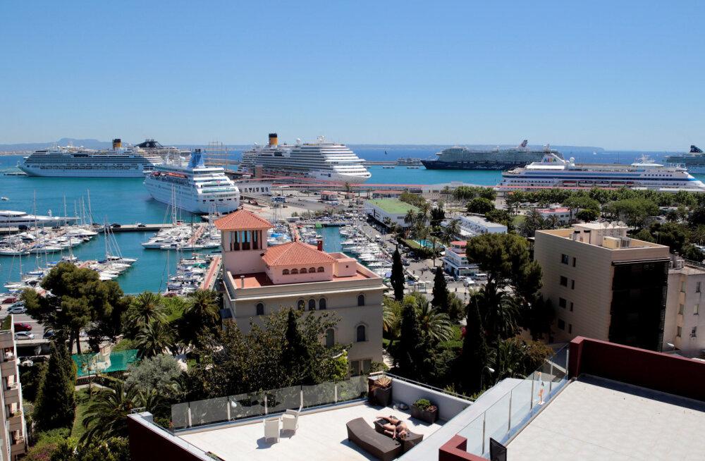 На популярных испанских островах удвоили туристический налог