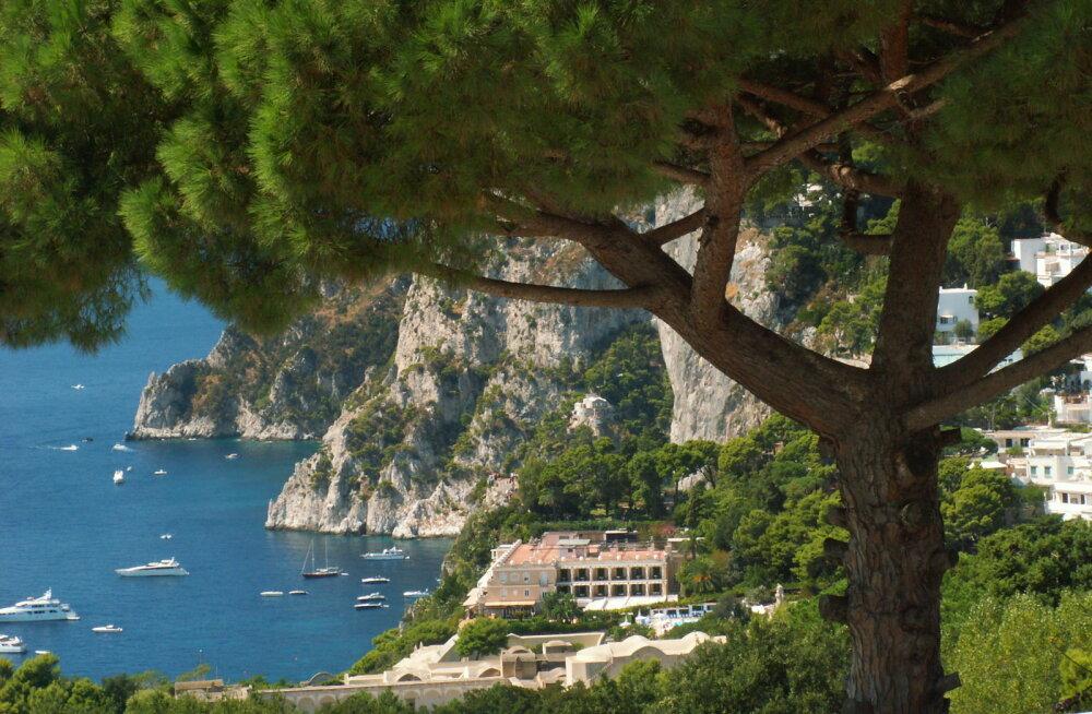 Туристам могут ограничить свободное перемещение по знаменитому острову Капри