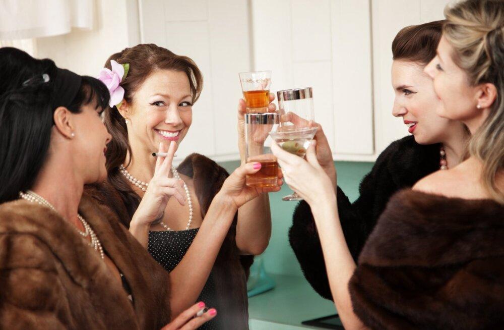 Почему она его бесит. 5 типов ваших подруг, которых лучше не звать в гости при муже