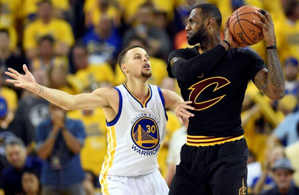 Stephen Curry ja LeBron James eelmise aasta finaalseerias