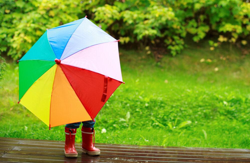 Как одевать ребенка весной: советы мам