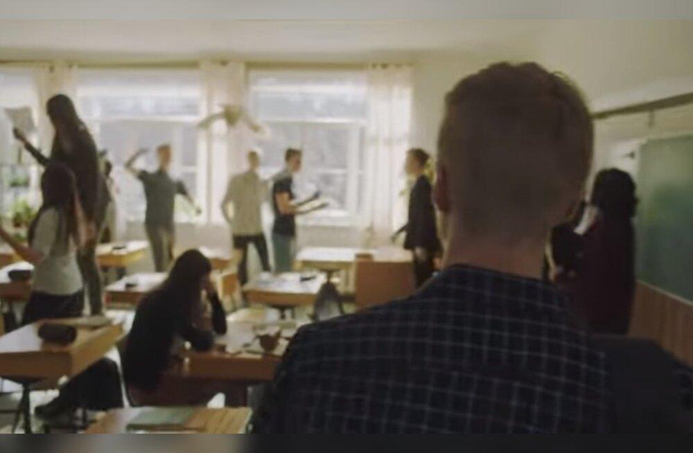 Рекламный ролик Elisa вызвал в учителе математики бурю негодования