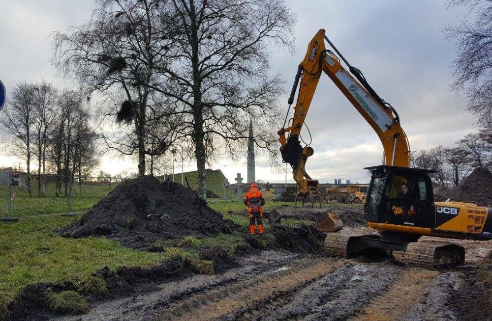 Maarjamäel algas memoriaali ümberehitamine kommunismiohvrite mälestuspargiks, maha võetakse 500 puud