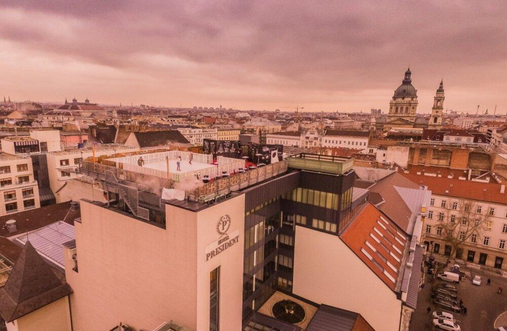 В Будапеште открылся каток на крыше