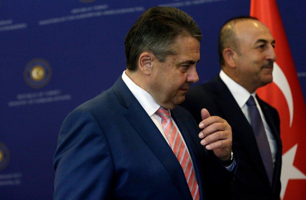 Saksa välisministri Sigmar Gabrieli ja tema Türgi kolleegi Mevlüt Çavuşoğlu kõnelused tüli lahendamiseks kukkusid läbi.