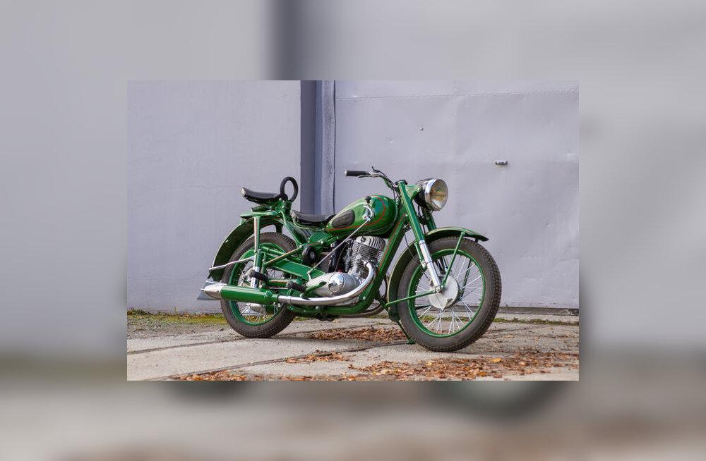 VIDEO   Bike Motors: restaureeritud IŽ-49