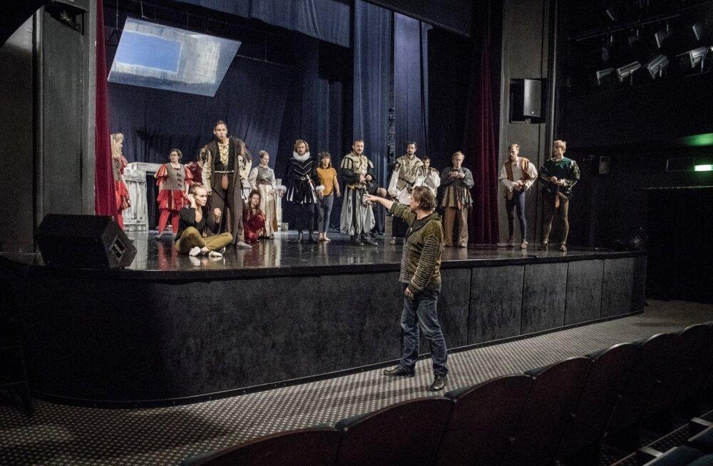 Noored näitlejad Rakvere teatris