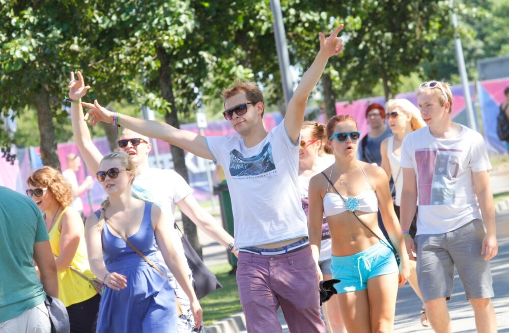 Äraleierdatud jaanilugudest kopp ees? Weekend Festivalist inspireeritud 10 eriti kuuma tantsuhitti, mille järgi täna õhtul jalga keerutada!