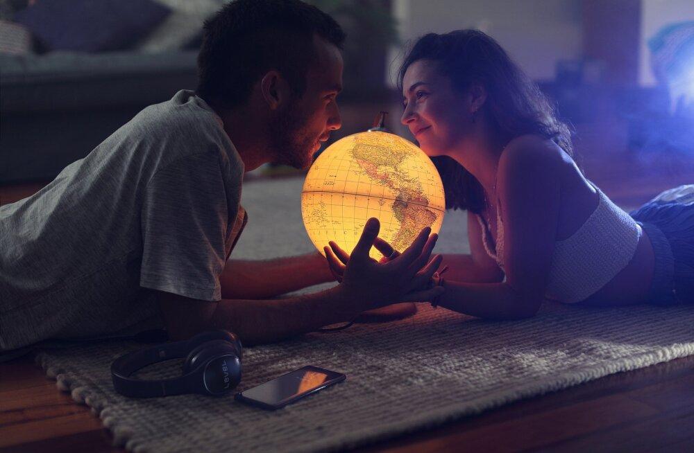 Soovitus meestele: ärge unustage oma naistega flirtida, sest see võib päästa teie suhte