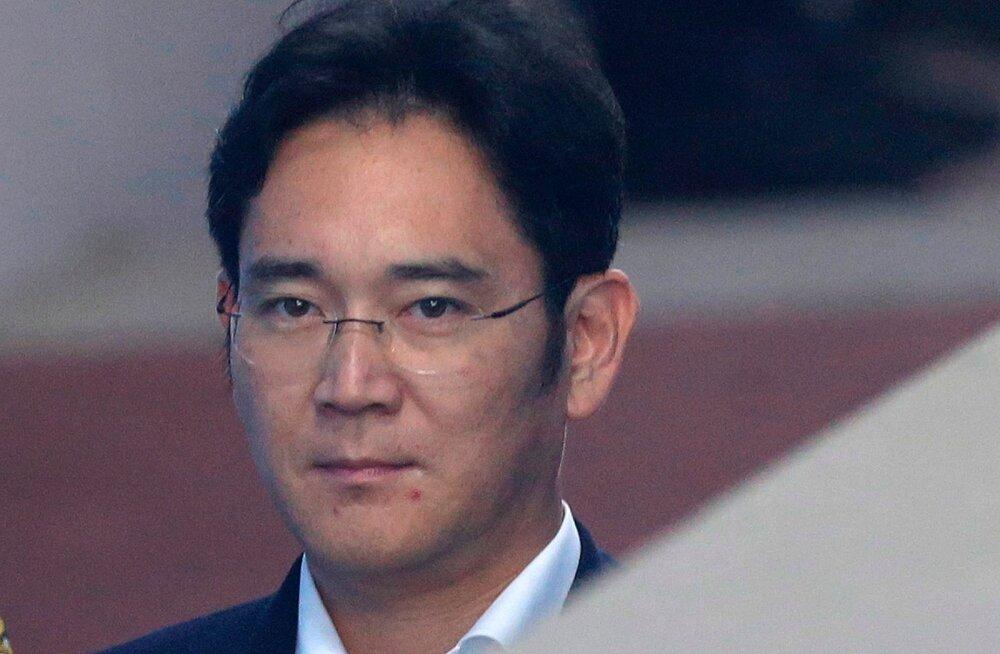Lõuna-Korea prokuratuur nõuab Samsungi pärijale 12-aastast vanglakaristust