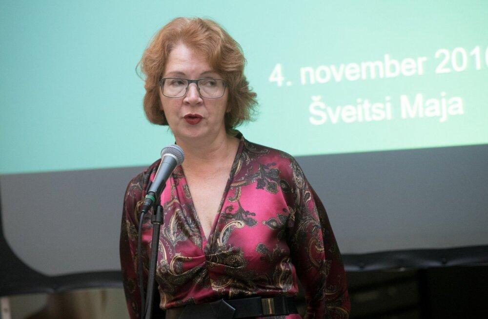 Yana Toomi pressikonverents