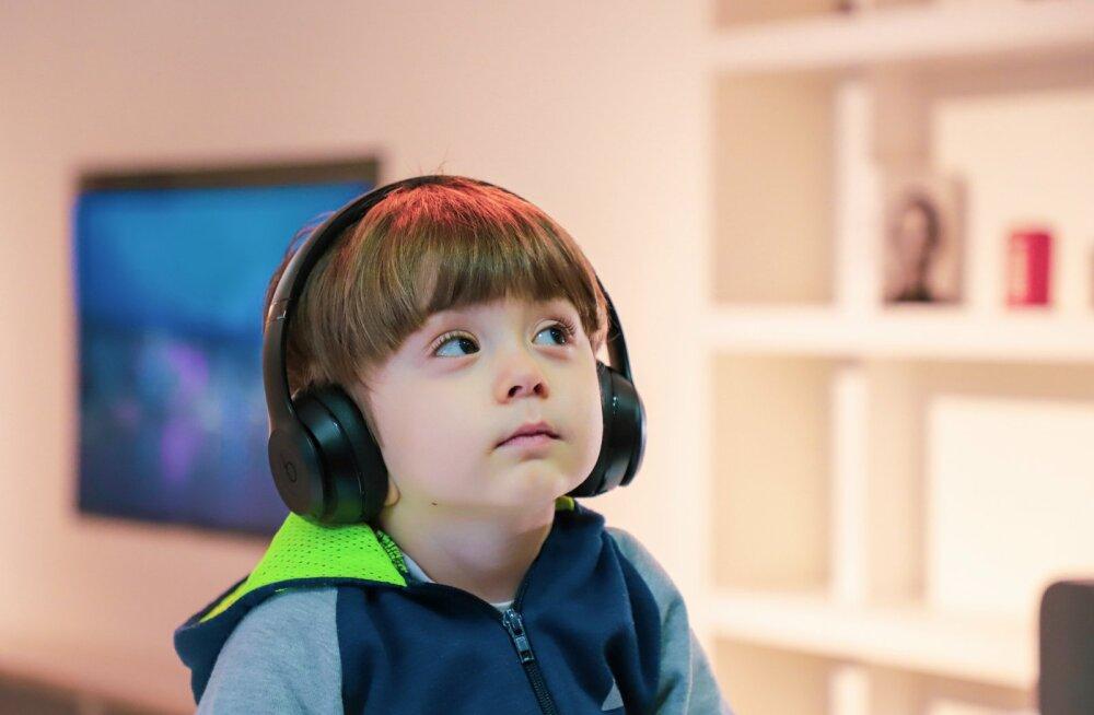 Ema pahandab| Kui vanemad peavad ise oma lapsi õpetama, siis milleks kool?