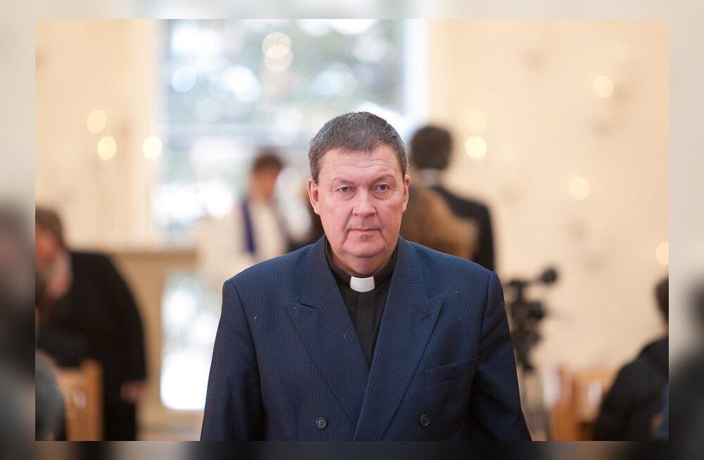 Умер бывший политик и священник Иллар Халласте
