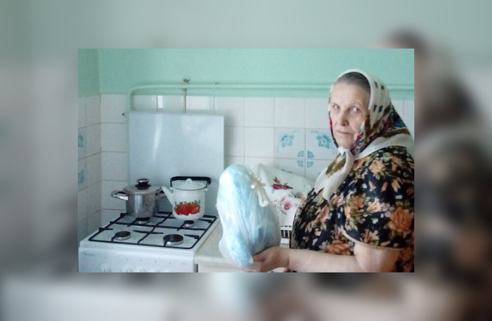 """""""Все запахи идут ко мне в квартиру"""". Нарвская пенсионерка годами жалуется на вентиляцию и крышу"""