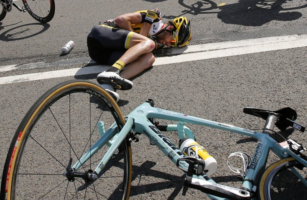 Jalgratturi kukkumine, illustreeriv foto