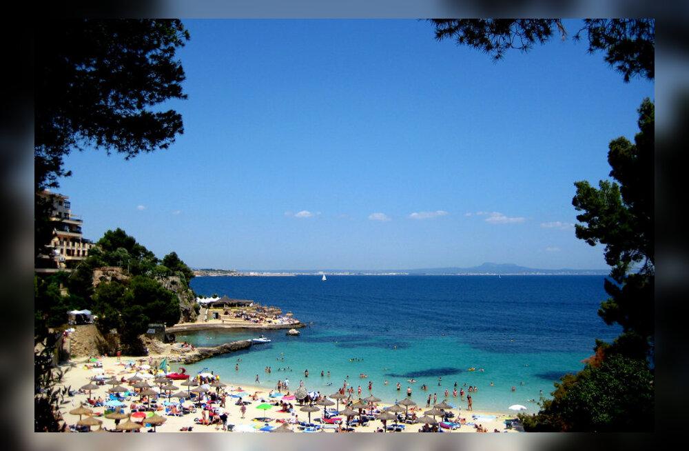 Mallorcalastel sai mõõt täis: bikiinides turiste hakatakse linnas trahvima