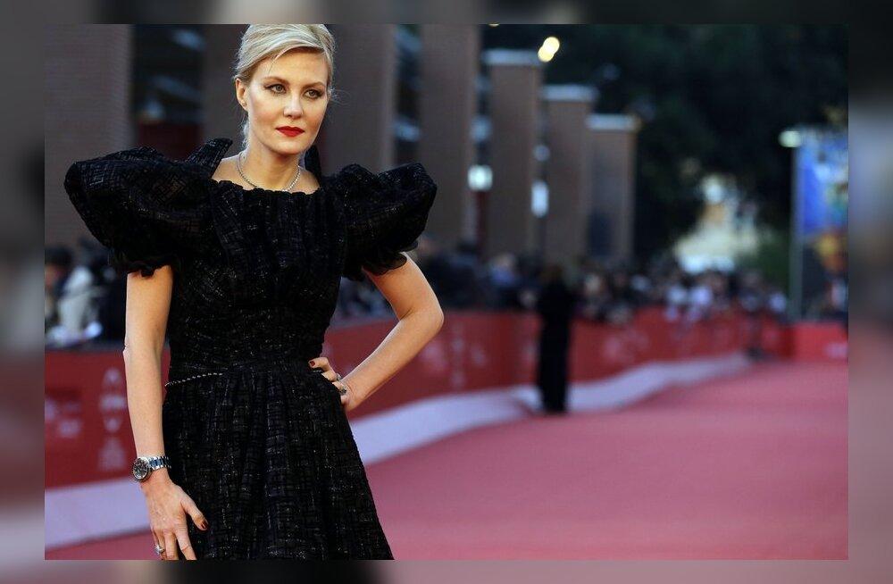 ФОТО: Рената Литвинова примерила на себя роль брюнетки