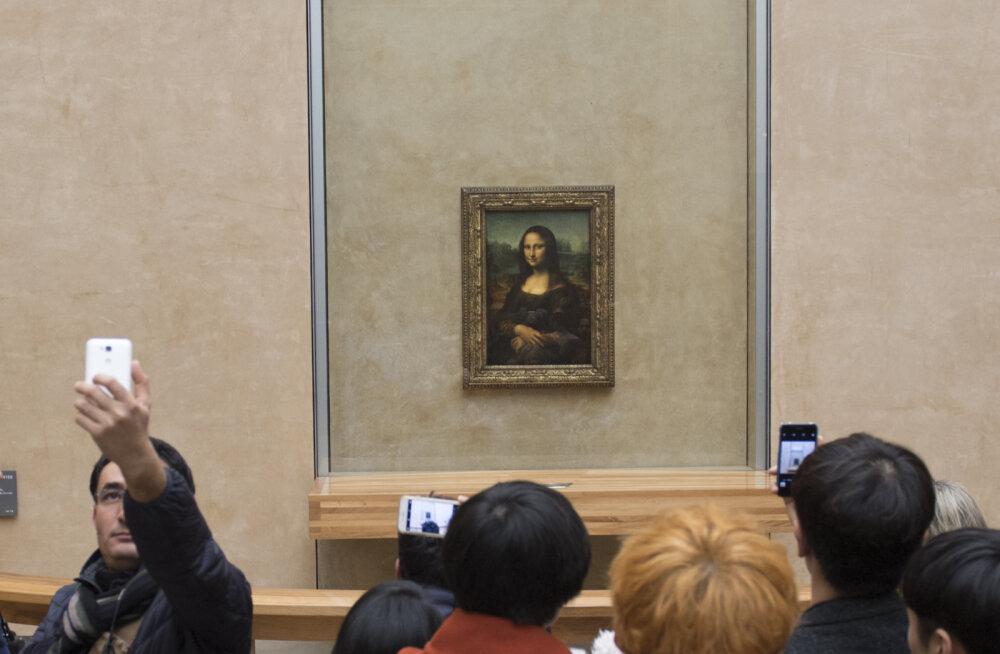 МНЕНИЕ: Айпадом – по искусству и интеллекту
