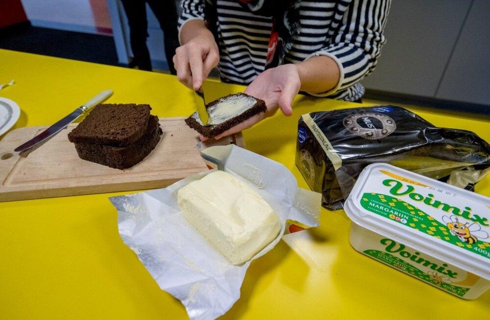 ЭКСПЕРИМЕНТ: Масляный кризис заставляет искать альтернативы. Есть ли разница между маслом и маргарином?