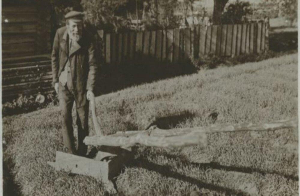 Tule ajalukku! | 1942: Okste põletamine tänavu rangelt keelatud