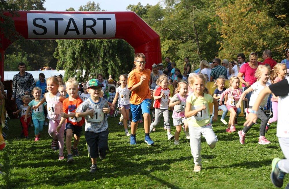 FOTOD | Tallinna maraton jätkus lastejooksuga