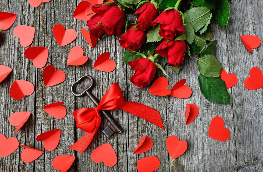 Parimad (ja kõige romantilisemad) sõbrapäeva ideed meestele, kes armastavad oma naisi väga