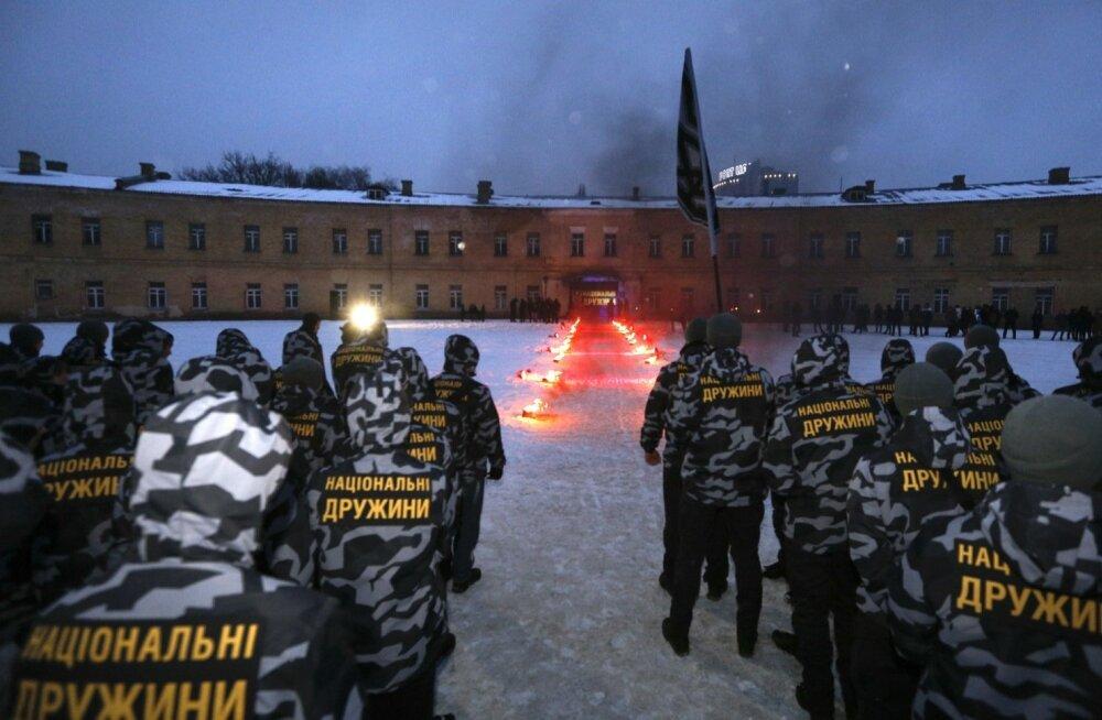 Sajad marurahvuslikud omakaitseväelased andsid jaanuari lõpus Kiievi kesklinnas vana kindluse juures truudusvande.