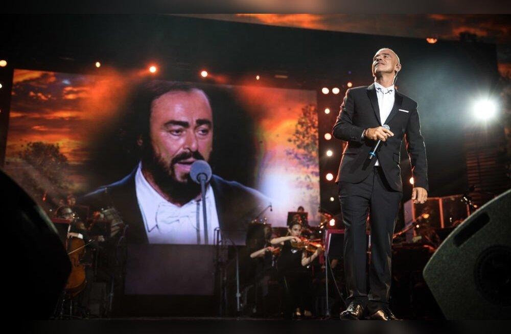 Luciano Pavarotti kümnenda surma-aastapäeva puhul toimus möödunud sügisel Arena di Verona amfiteatris suurejooneline mälestuskontsert.