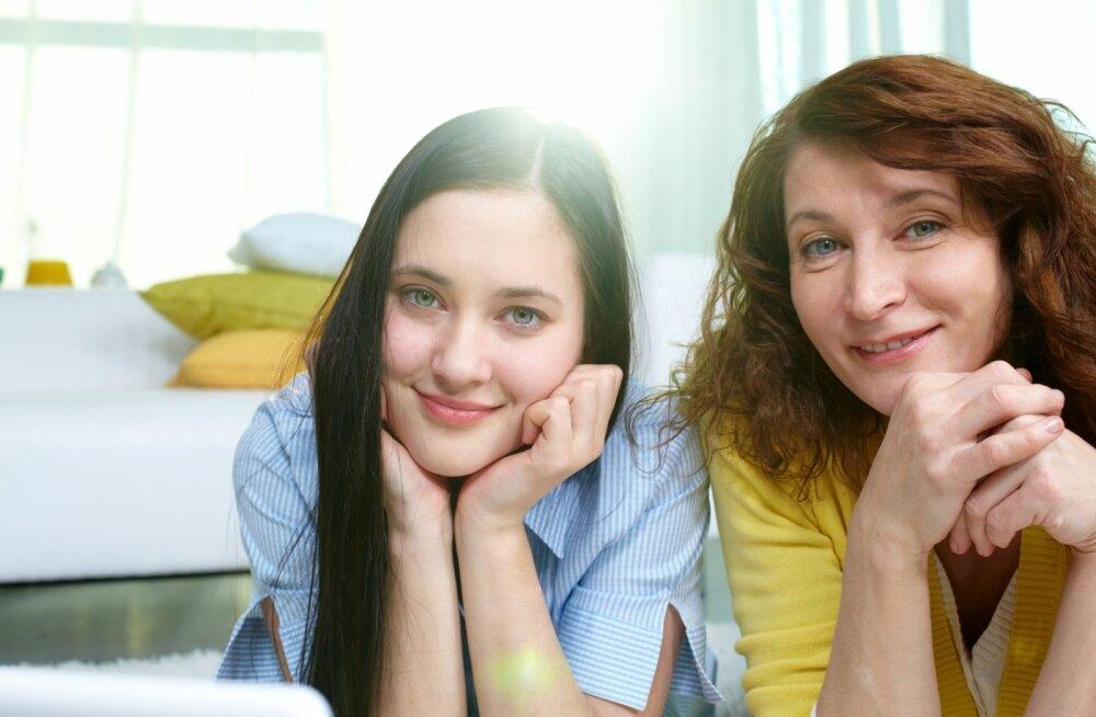 Emade kuldsed kohtingu- ja armuelureeglid oma teismelistele tütardele!