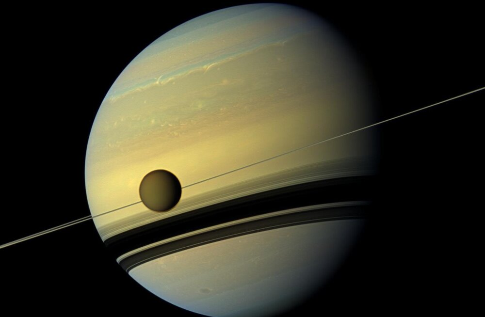Vihmahood lõid Titani põhjapoolkera läikima