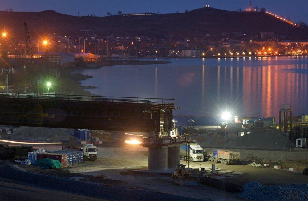 Krimmi silla ehitusele tehtavad kulutused jätavad muu Venemaa infrastruktuuri investeeringute mõttes sisuliselt kuivale.