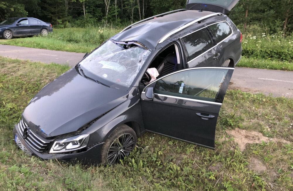 FOTOD | Järvamaal põrkasid kokku kaks sõiduautot, kannatada sai üks inimene