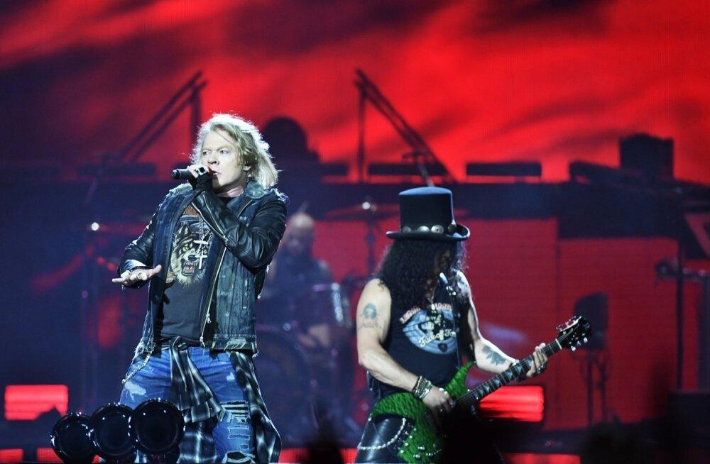 """Axl Rose ja Slash mullu suvel Stockholmis Friends Arenal. """"Bänd oli laval kolm tundi ja viis minutit ning küttis kogu aja!"""" kiidab fänn."""