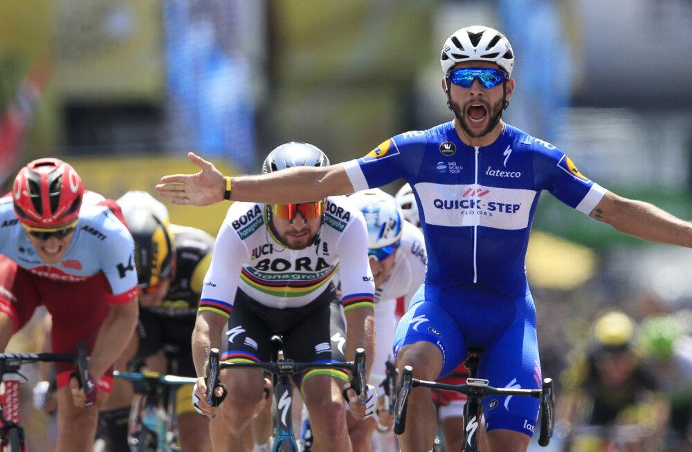 VIDEO | Tour de France'il läks juba esimesel etapil draamaks: Froome suruti teelt välja, liidrisärk läks debütandi selga
