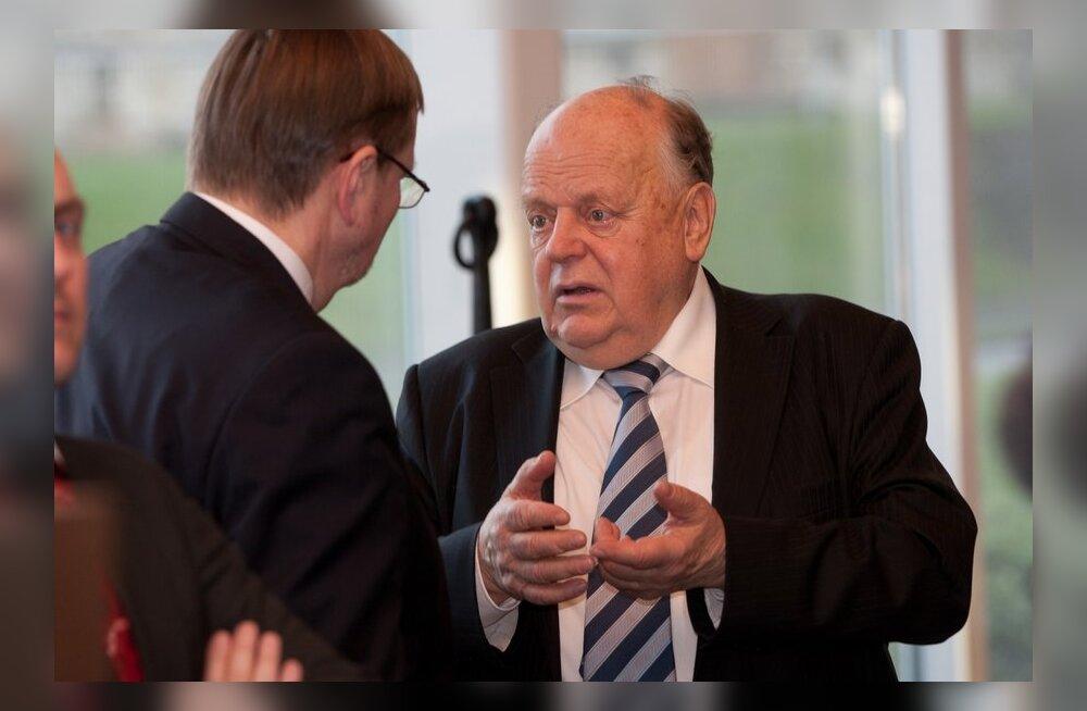Шушкевич: Россия просто завидует, что в Белоруссии фальсификации больше