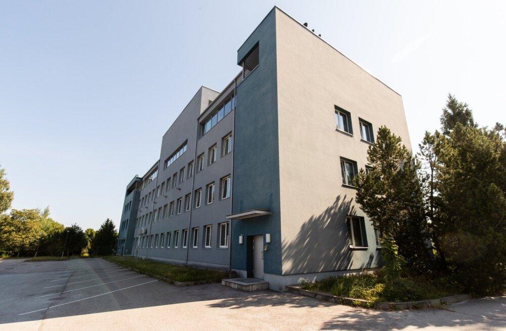 Endisest Eesti Energia peakontorist Laki 24 saab arendaja käe all moodne üürimaja Laava. Majas on kokku 121 apartementi suurusega 12–21,8 ruutmeetrit. Mikrokorterite ruutmeetri hind algab 3000 eurost. Maja valmib järgmise aasta I kvartalis.