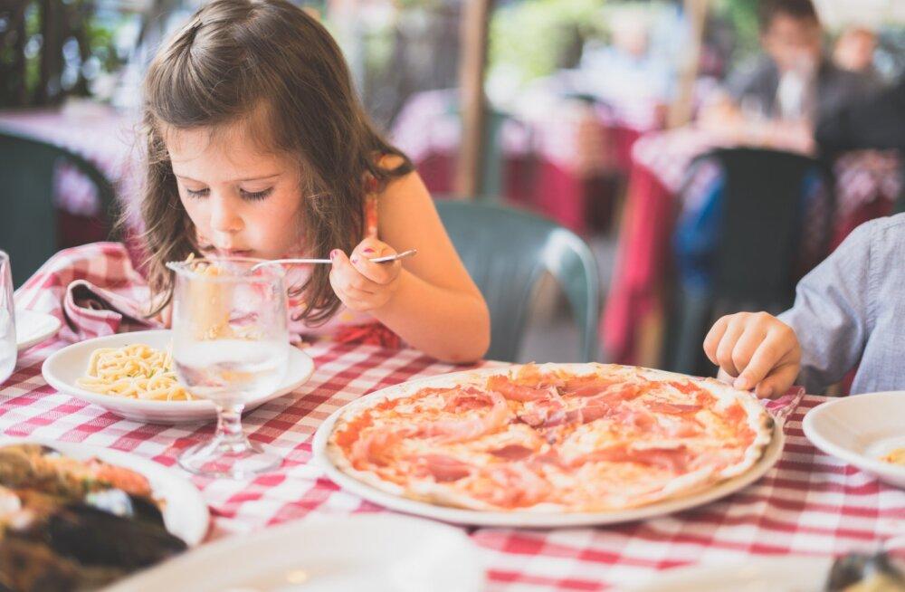 Neli sõna, mis kaotavad toiduteemalised tülid sinu ja lapse vahel